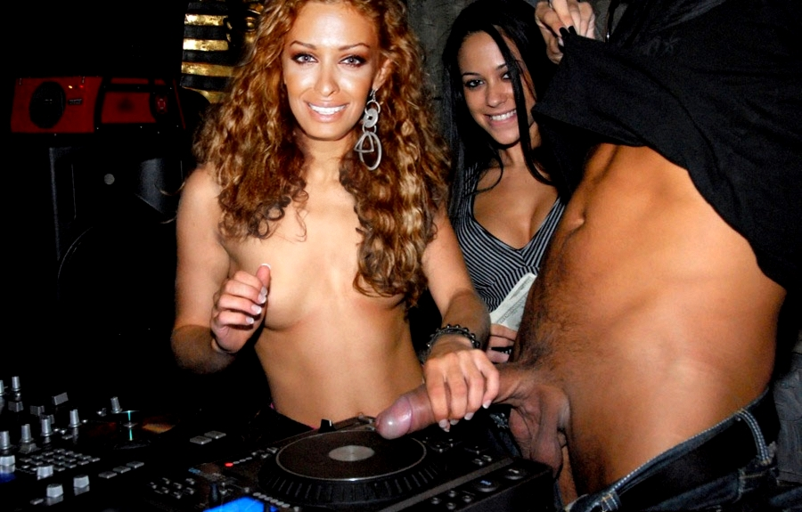 FOUREIRA ON DECKS ...jpg
