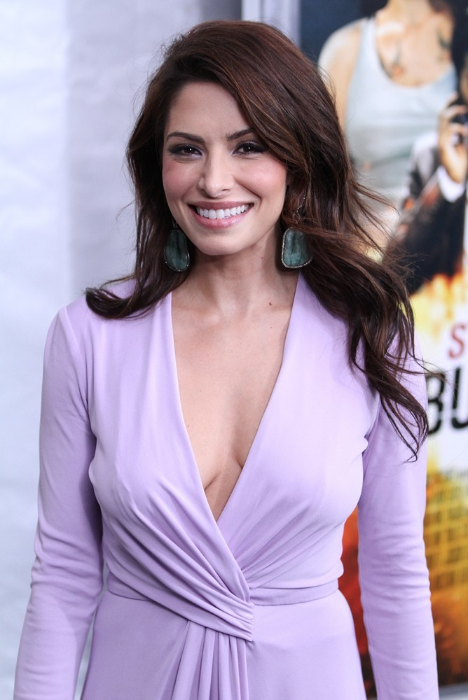 sarah-shahi-premiere-bullet-to-the-head-04.jpg