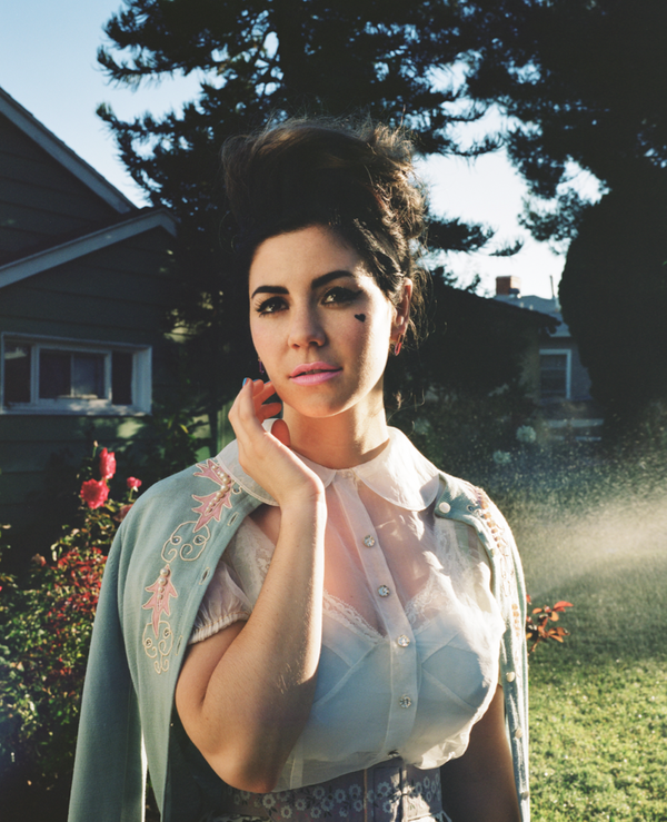 marina-and-the-diamonds-for-foam-magazine-wookmark-154173.png
