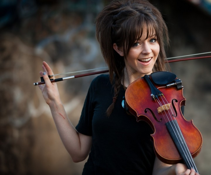 music_violins_lindsey_stirling_2560x1440_wallpaper_Wallpaper_960x800_www.wall321.com.jpg