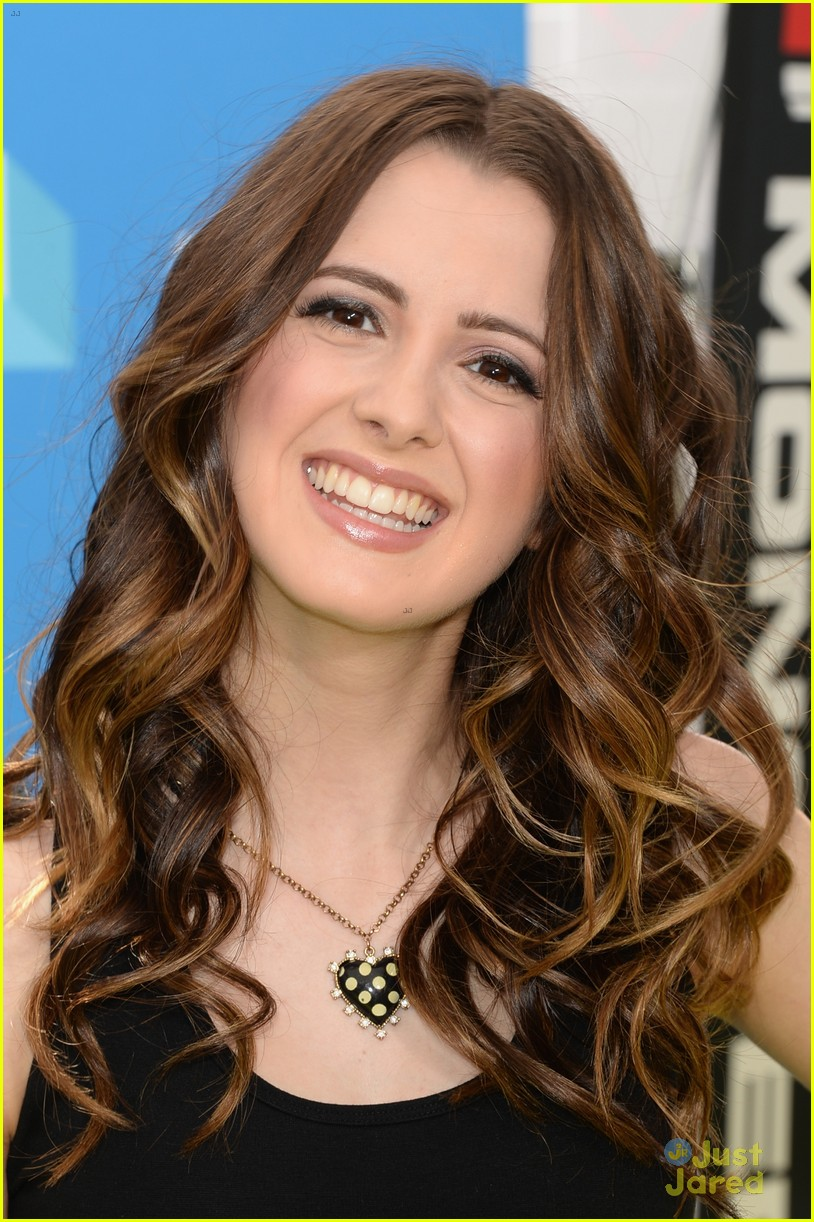 The-2013-Do-Something-Awards-laura-marano-ally-35822824-814-1222.jpg