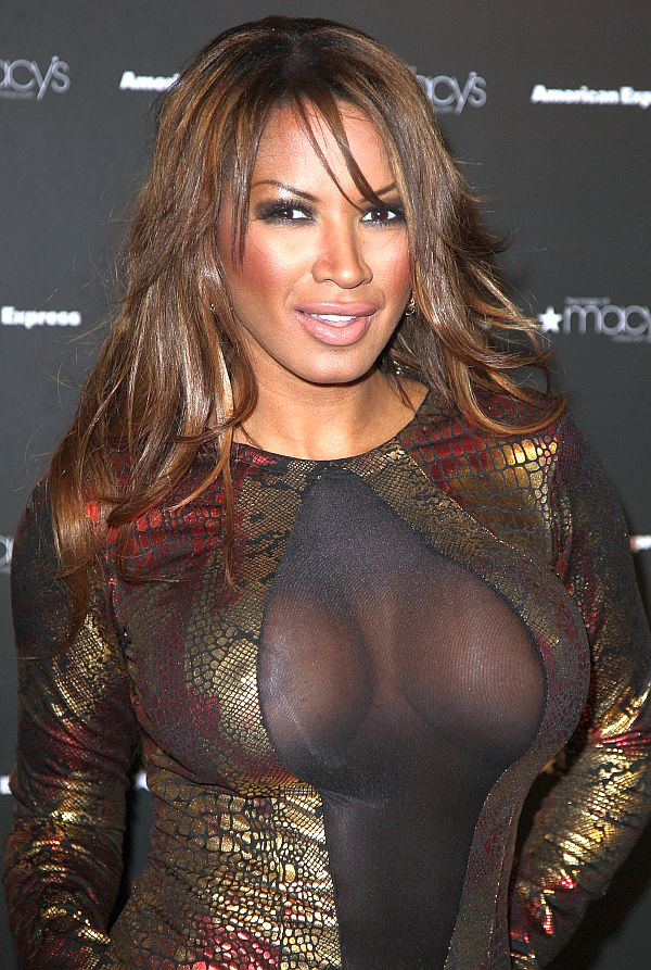 traci-bingham-see-through-nipple.jpg