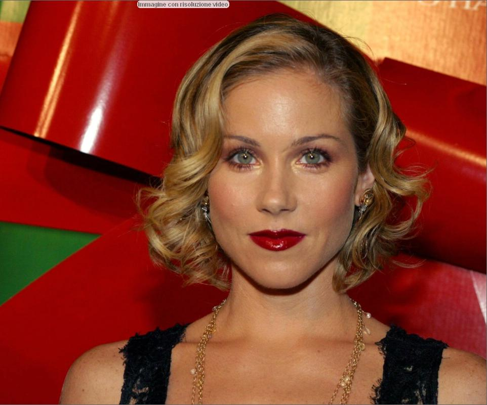 Christina-Applegate-dressed-247052.jpg