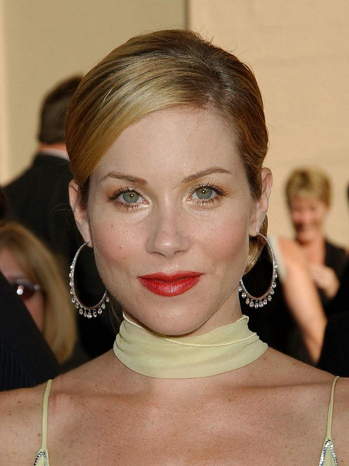 Christina-Applegate-dressed-245026.jpg