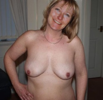 hottest female strippers nude in