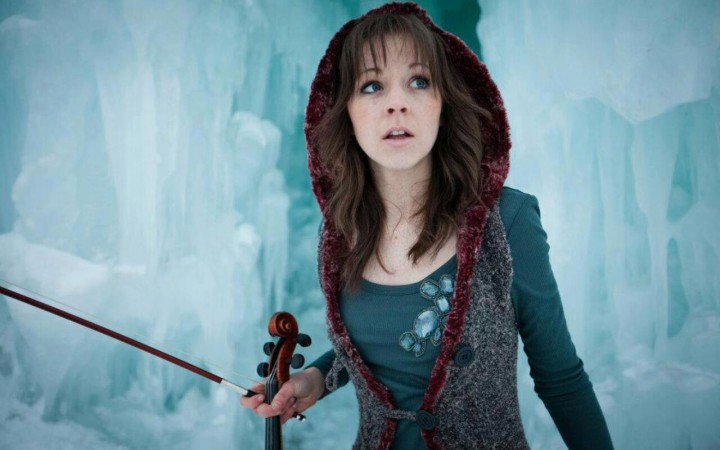 Lindsey Stirling : Request Photoshopped Fake Nudes/Porn