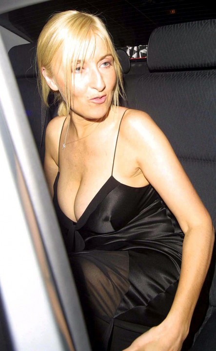fiona phillips cleavage