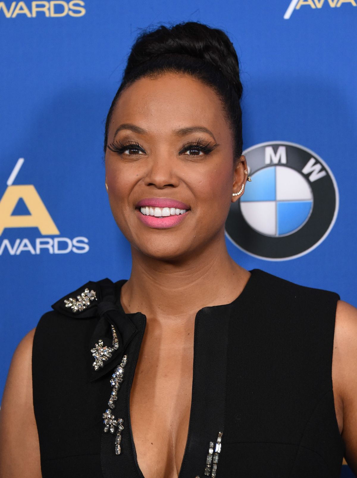 aisha-tyler-at-69th-annual-directors-guild-of-america-awards-in-beverly-hills-02-04-2017_10.jpg