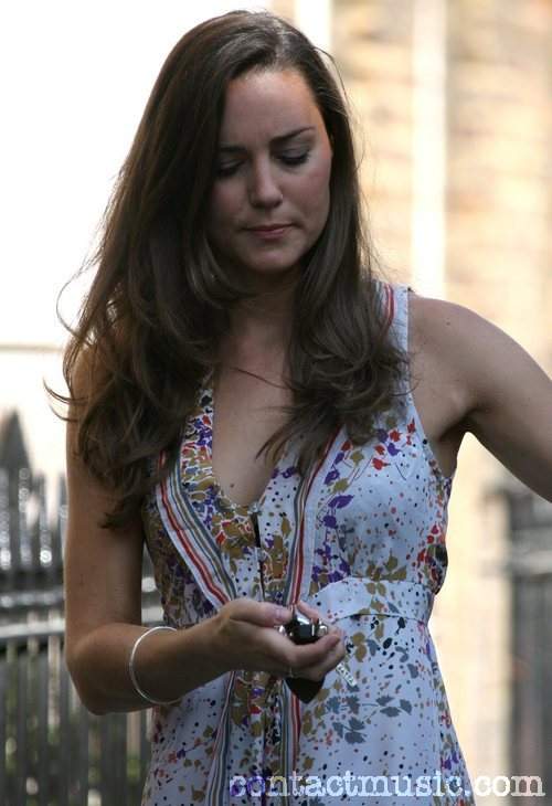 kate_middleton_07_wenn1512138.jpg